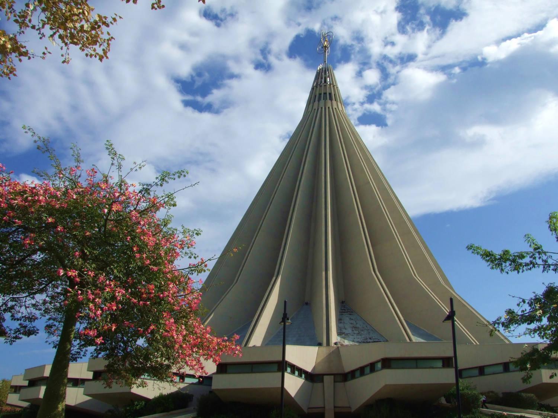 Santuario_della_Madonna_delle_Lacrime_(Siracusa)_-_panoramio