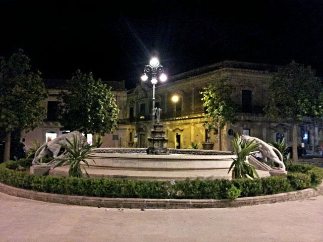 piazza_vittorio_veneto_fontana_tre_leoni