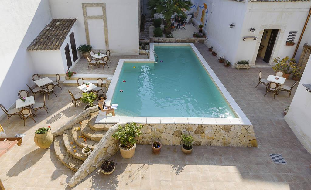 859c1bc27794 BB-Avola-bed-and-breakfast-Morfeo-val-di-Noto-bB-Siracusa-hotel-sul-mare -bb-dormire-avola-vacanze-sicilia-marzamemi-bb-bb-avola-centro-con-piscina-resort-  ...