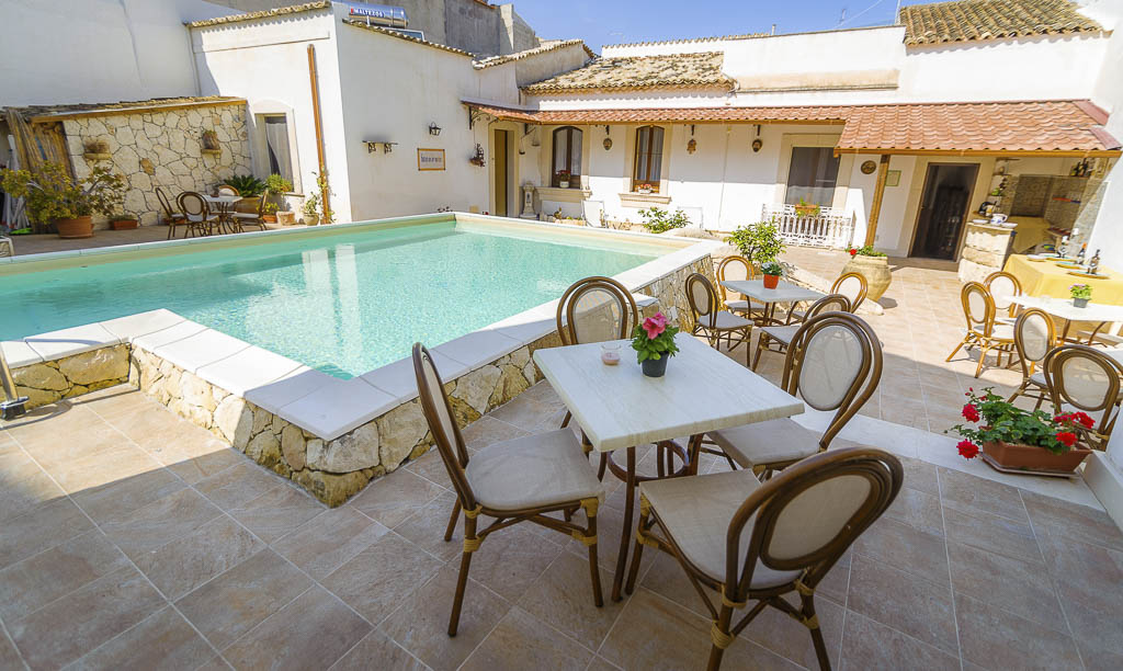 B&B Avola bed and breakfast Morfeo val di Noto b&B Siracusa hotel sul mare b&b dormire avola vacanze sicilia marzamemi b&b b&b avola centro con piscina resort avola centro benessere_71