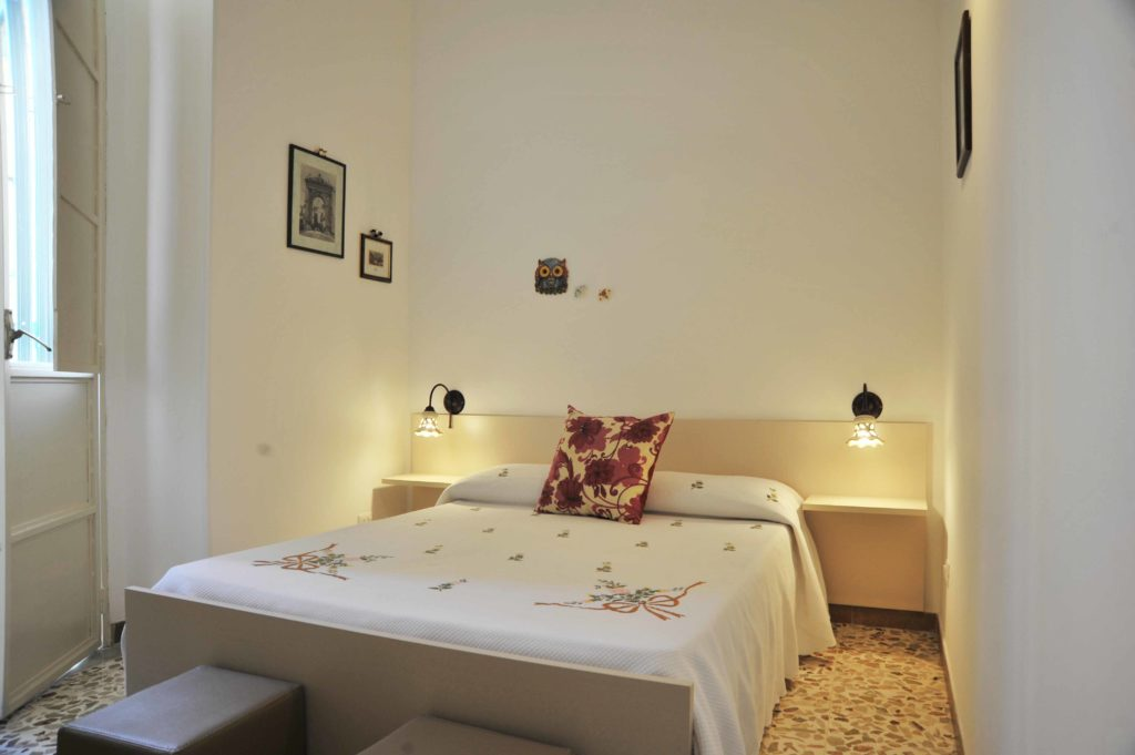Chloe_camera_matrimoniale_B&B_Avola_siracusa_bed_and_breakfast_2