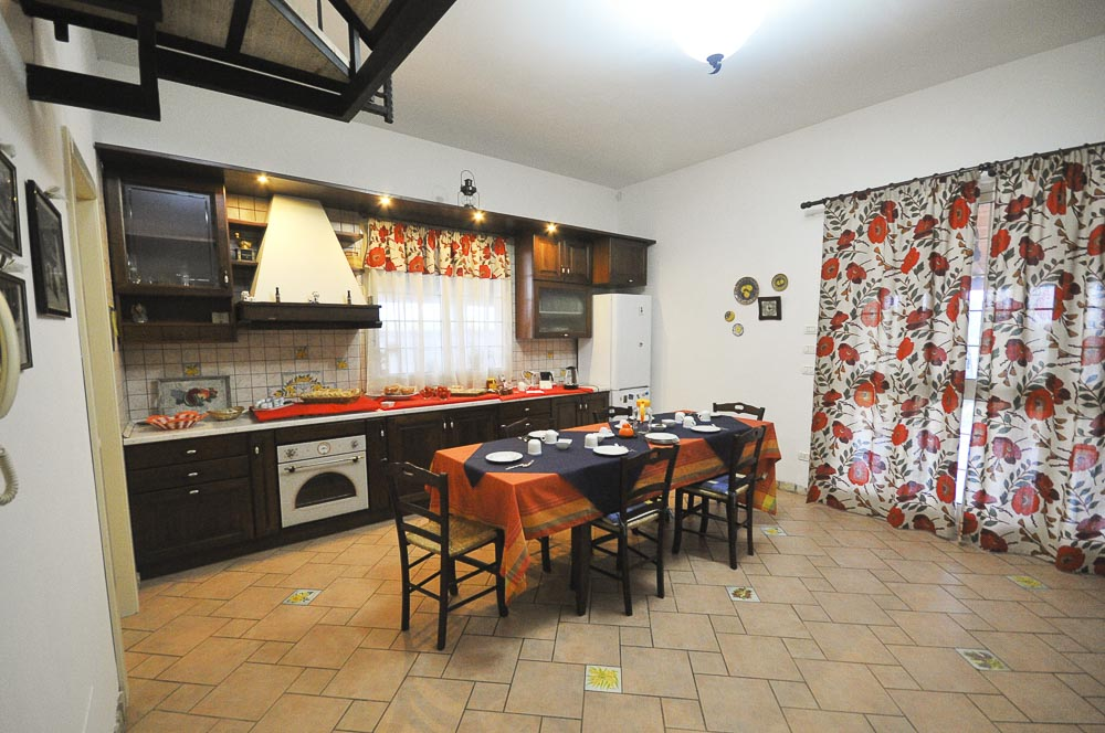 Cucina_Colazione_Il_Mandorleto_Resort_Noto_Bed_and_breakfast_Noto_Siracusa_Avola_villa_noto_resort_noto_Avola_siracusa_villa_con_piscina
