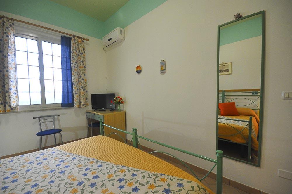 Iride_Il_Mandorleto_Resort_Noto_Bed_and_breakfast_Noto_Siracusa_Avola_villa_noto_resort_noto_Avola_siracusa_villa_con_piscina