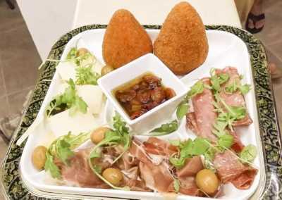 Arancini_Siciliani_2_Esperienze_culinarie_degustazioni_eno_gastronomia_avola_noto_b&b_Avola_4