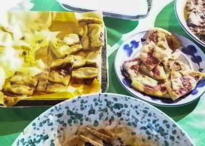 Mpanate_scacce_pizza_Esperienze_culinarie_degustazioni_eno_gastronomia_avola_noto_b&b_Avola_18