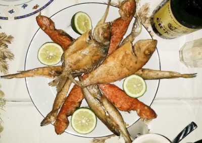 Pesce_fritto_Esperienze_culinarie_degustazioni_eno_gastronomia_avola_noto_b&b_Avola_39